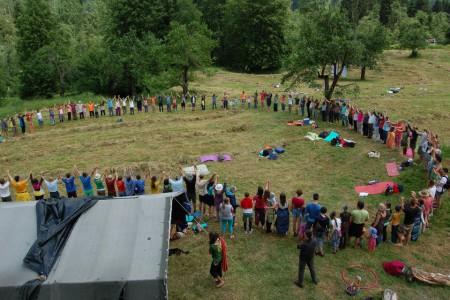 Junija 2014 se nas je nabralo veliko na 8. dnevu ekovasi na Kočevskem.